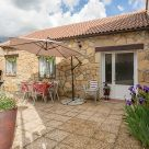 Holiday cottage at Navacepeda de Tormes: La Pasaílla
