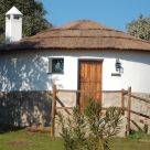 Caba&ntilde;a - Bungalow en Badajoz: Los Chozos de la Dehesa