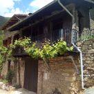 Casa rural con chimenea en Lleida