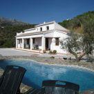 Vivienda Turística de Alojamiento Rural cerca de Montes de Málaga: Cortijo Acebuche